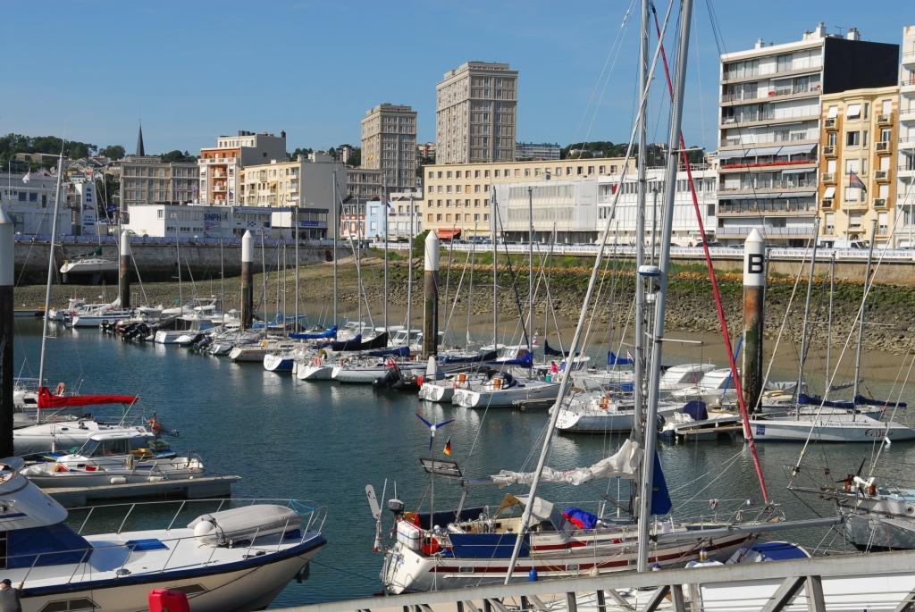 Ebbe im Hafen von Le Havre