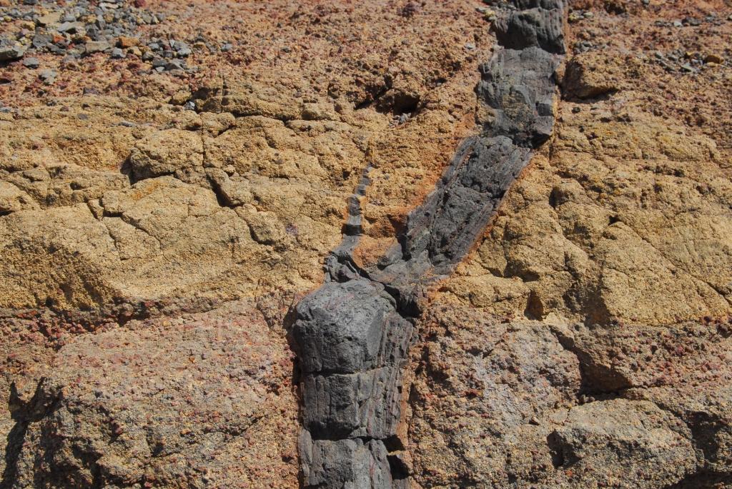 Kleiner Lava Kamin