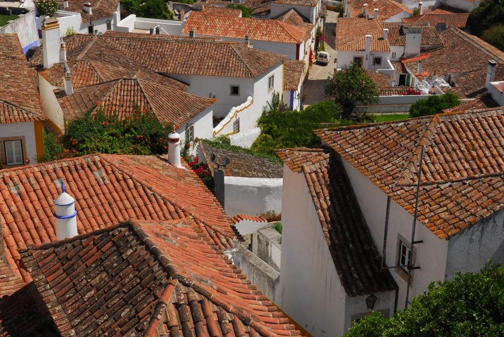 Über den Dächern von Óbidos