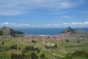 Blick auf Copacabana am Titicacasee