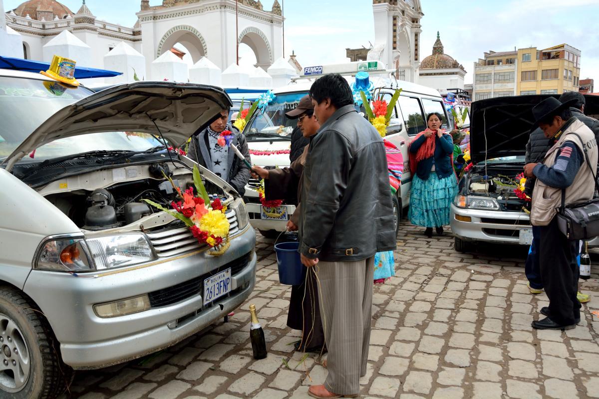 Autosegnung in Copacabana, Bolivien