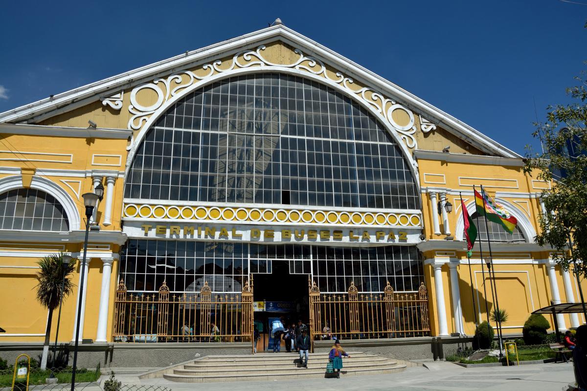 Das Busterminal in La Paz, gebaut von Eifel