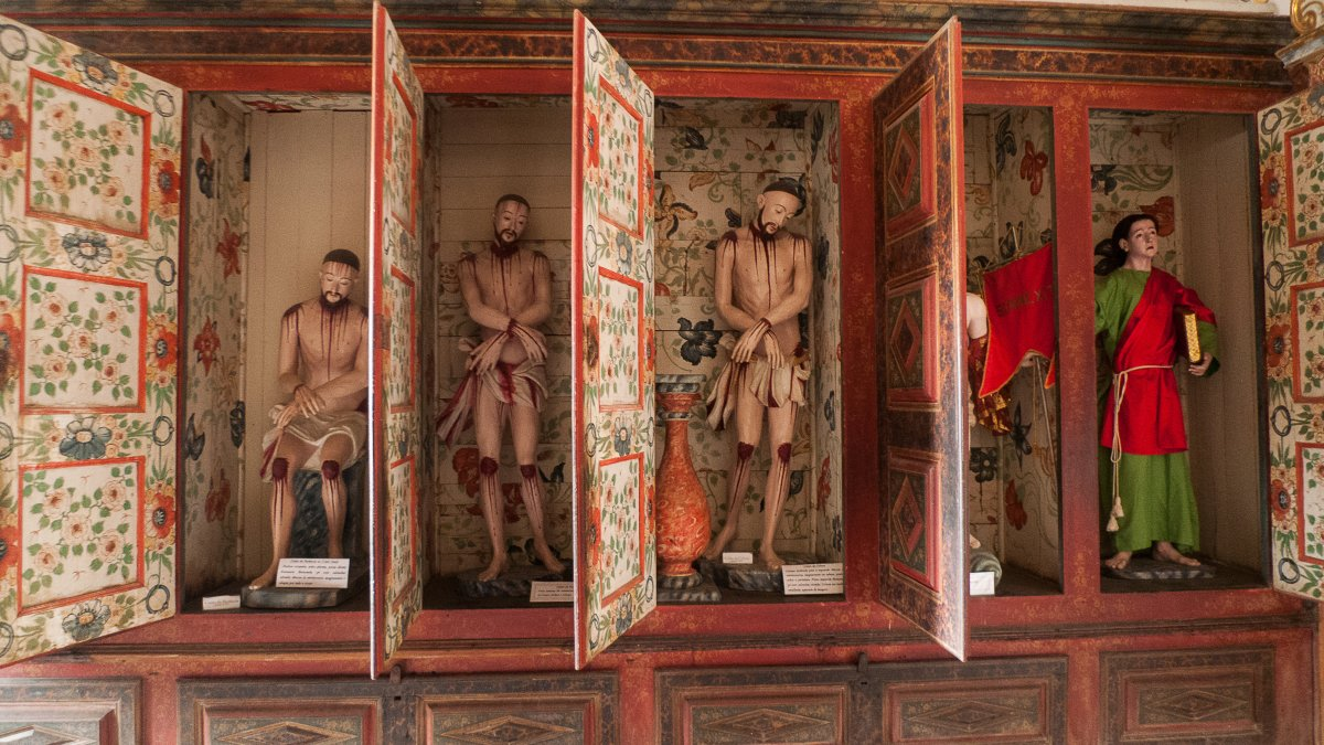 Chrstusstatuen in der Sakristei des Karmeliterklosters