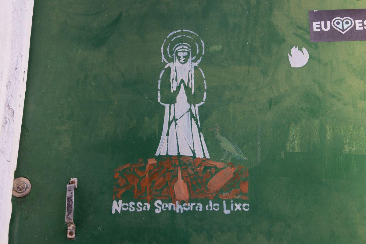 Nossa Senhora do Lixo in Olinda - Madonna des Mülls