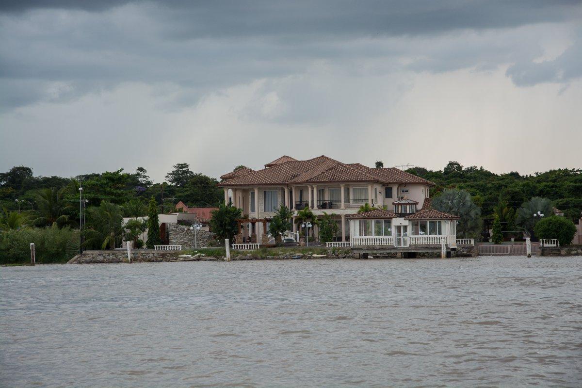 Villa am Surinam