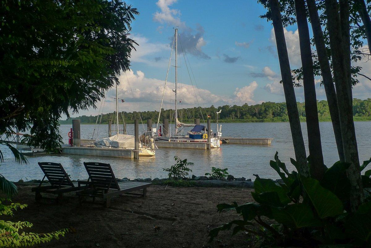 In der Marina Resort Waterland, Surinam