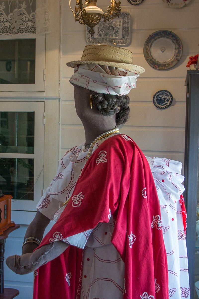 Kotomisi - Mode in Paramaribo, Surinam, im letzten Jahrhundert