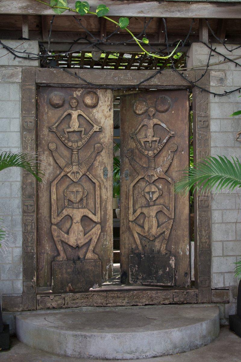 Tür auf Mustique - Segeln mit Yemanja