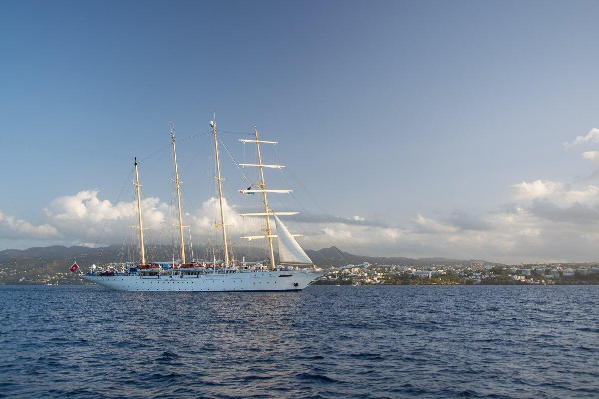 Windjammer Star flyer vor Fort de France, Martinique