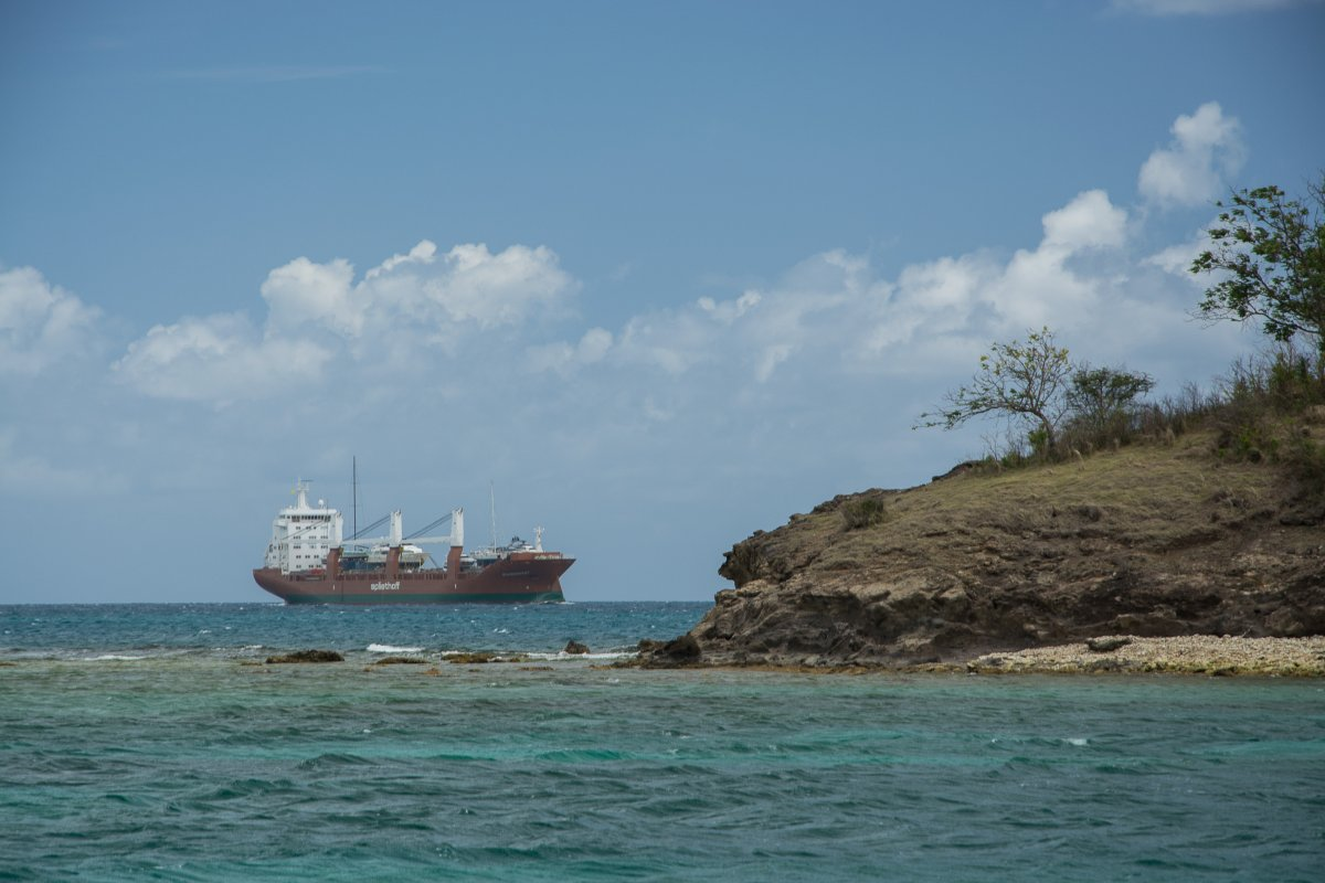 Yachttransport mit Sevenstar auf Dijksgracht, Antigua - Genua