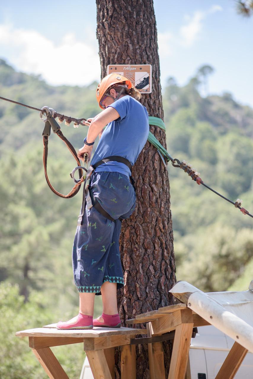 Fitness auf Reisen - im Hochseilgarten auf Korsika