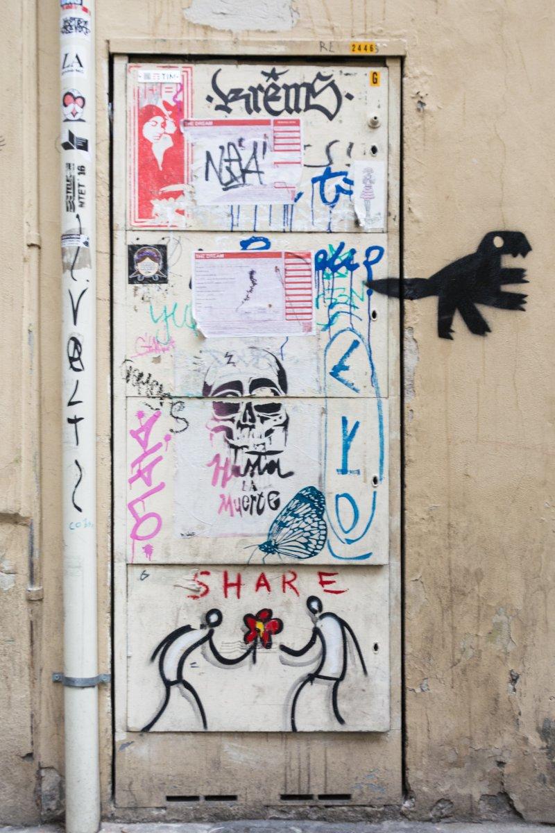 Typische Street Art Wand in Florenz